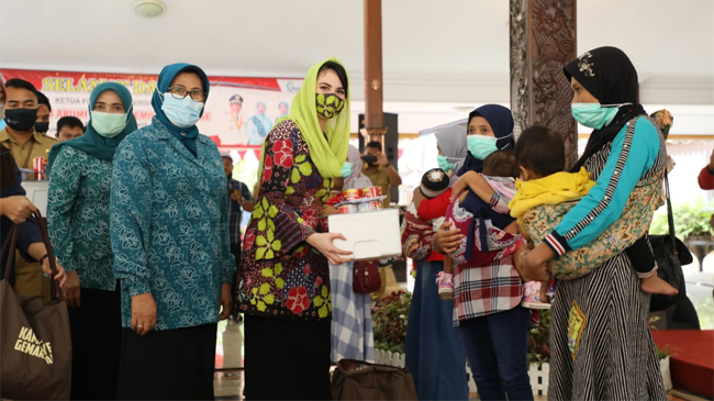 Arumi Bachsin Kampanyekan GEMARIKAN di Kabupaten Blitar