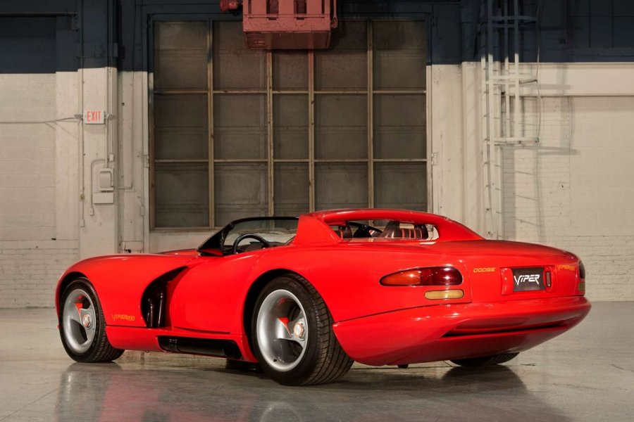This video will make you a Dodge Viper expert in only 10 minutes     dodge viper 02