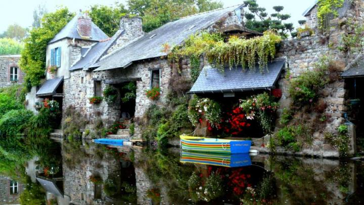 Fairy Tale Cottages For
