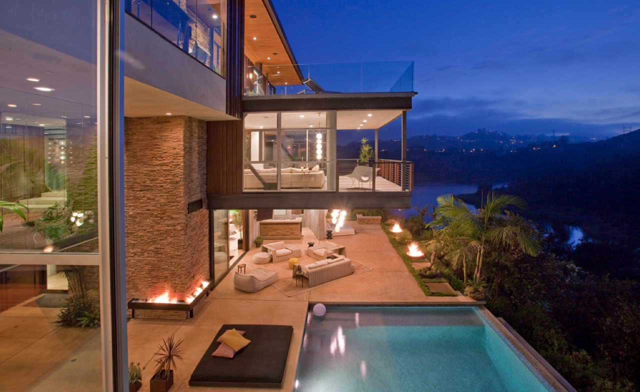 Could This Be Ashton Kutcher S New Home