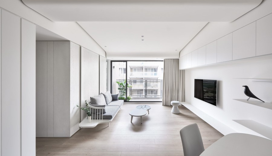 Two Modern  Minimalist Homes That Indulge in Lots of White 1