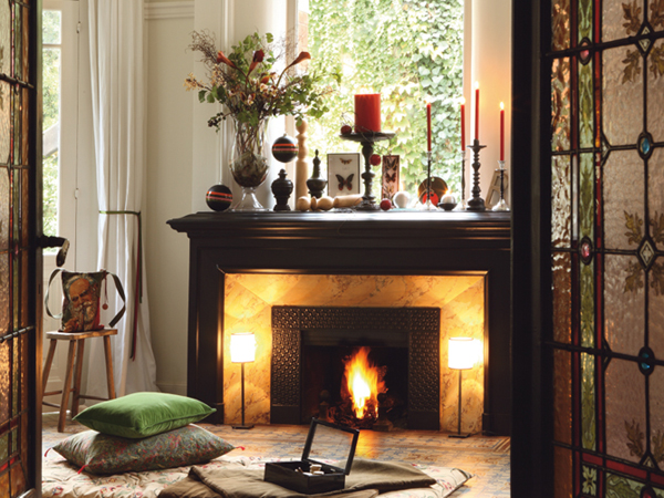 40 Christmas Fireplace Mantel Decoration Ideas View in gallery