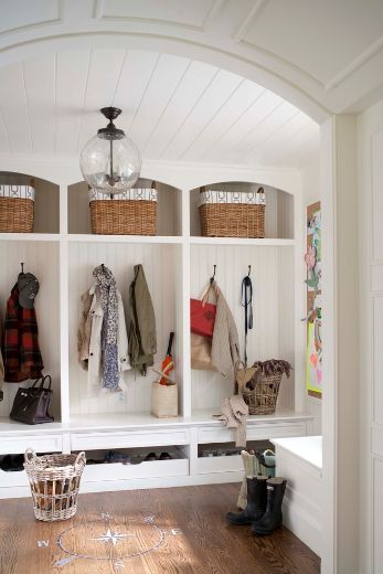 4 Tips For A Cleverly Organized Entryway Space