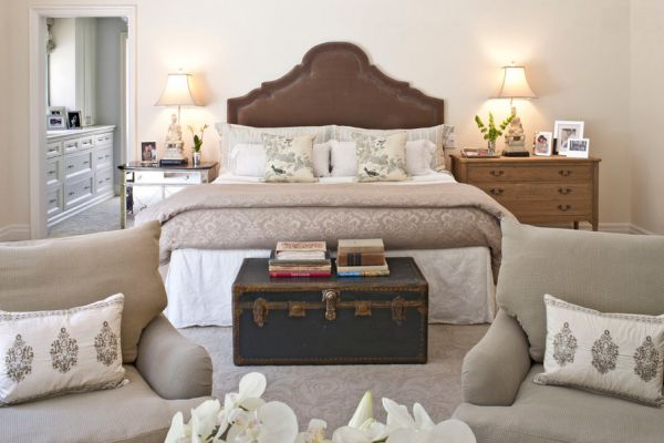 How To Refresh The Foot Of Your Bed With Style 15