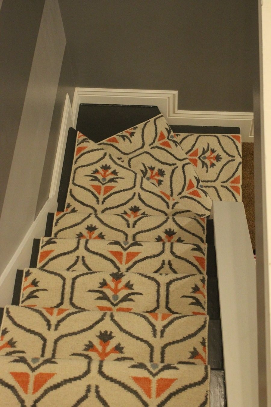 Update Your Staircase How To Remove And Install Carpet On The Stairs | Running Carpet For Stairs | Stair Tread | Hardwood | Wood | Grey | Stair Runners