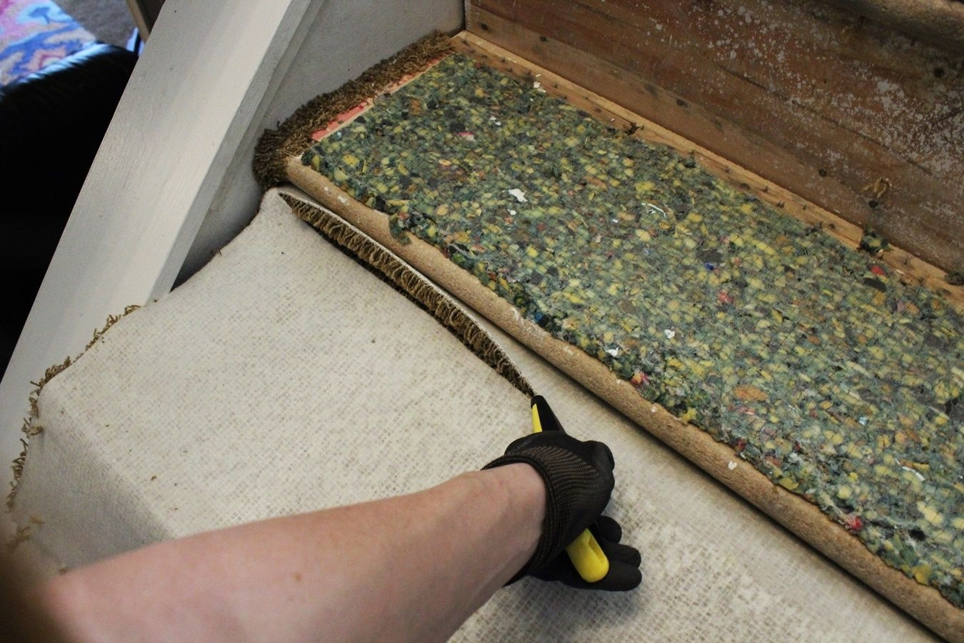 Update Your Staircase How To Remove And Install Carpet On The Stairs   Cutting Carpet For Stairs   Carpet Runner   Wood   Stair Nosing   Landing   Underlay