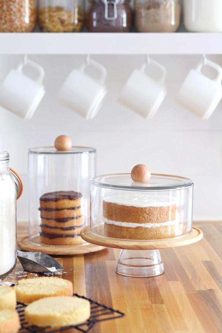Beautiful Cupcake Stands Mess