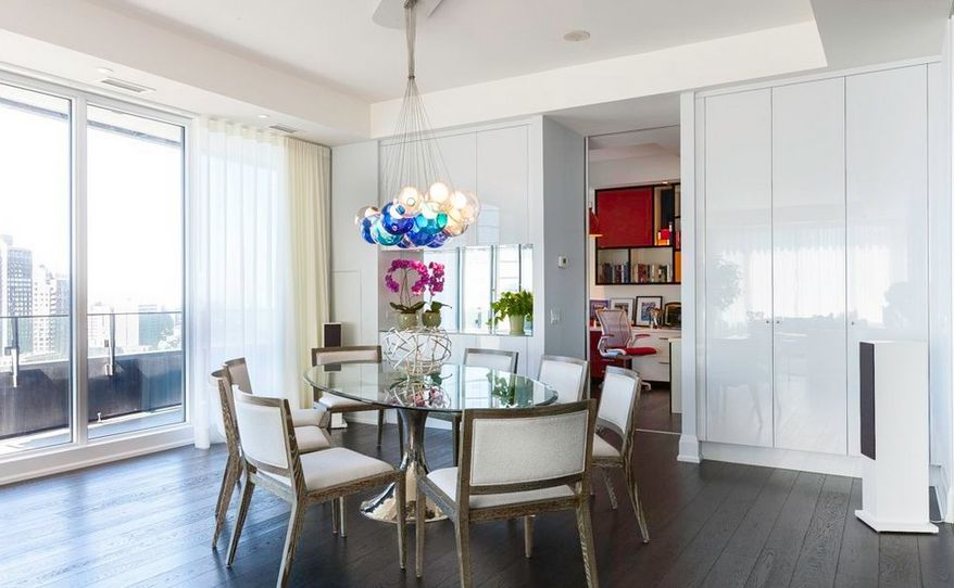 Round Glass Dining Tables That Make A Stylish Impression