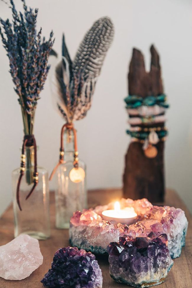 20 Dreamy Boho Room Decor Ideas Crystal Pieces for boho decor