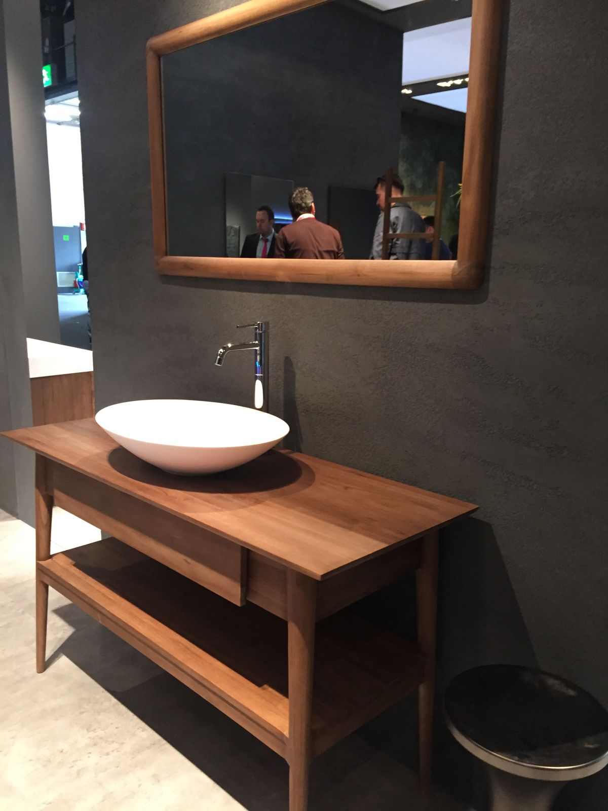 Make Your Own Vanity Mirror Lights
