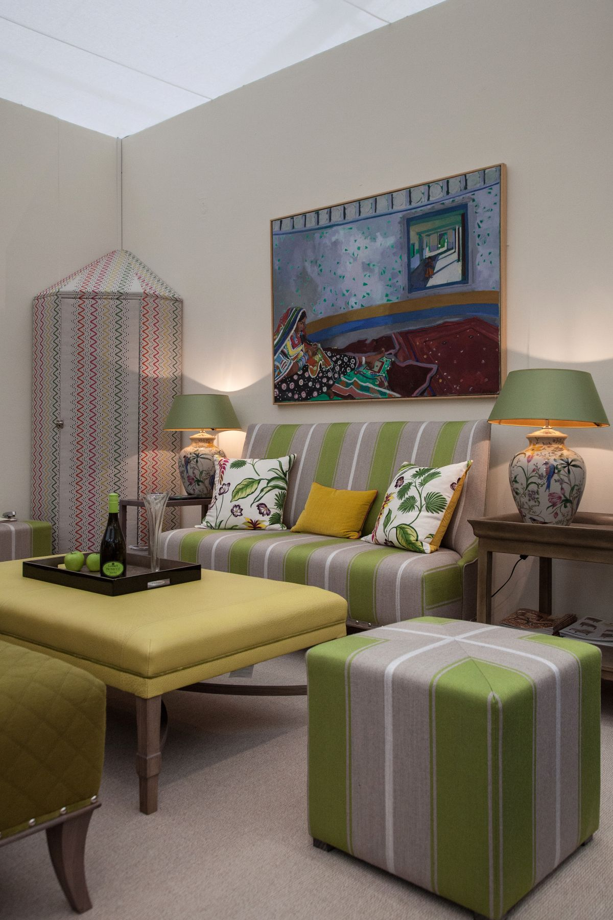 Unique Ideas For Incorporating Analogous Colors Into Your Home