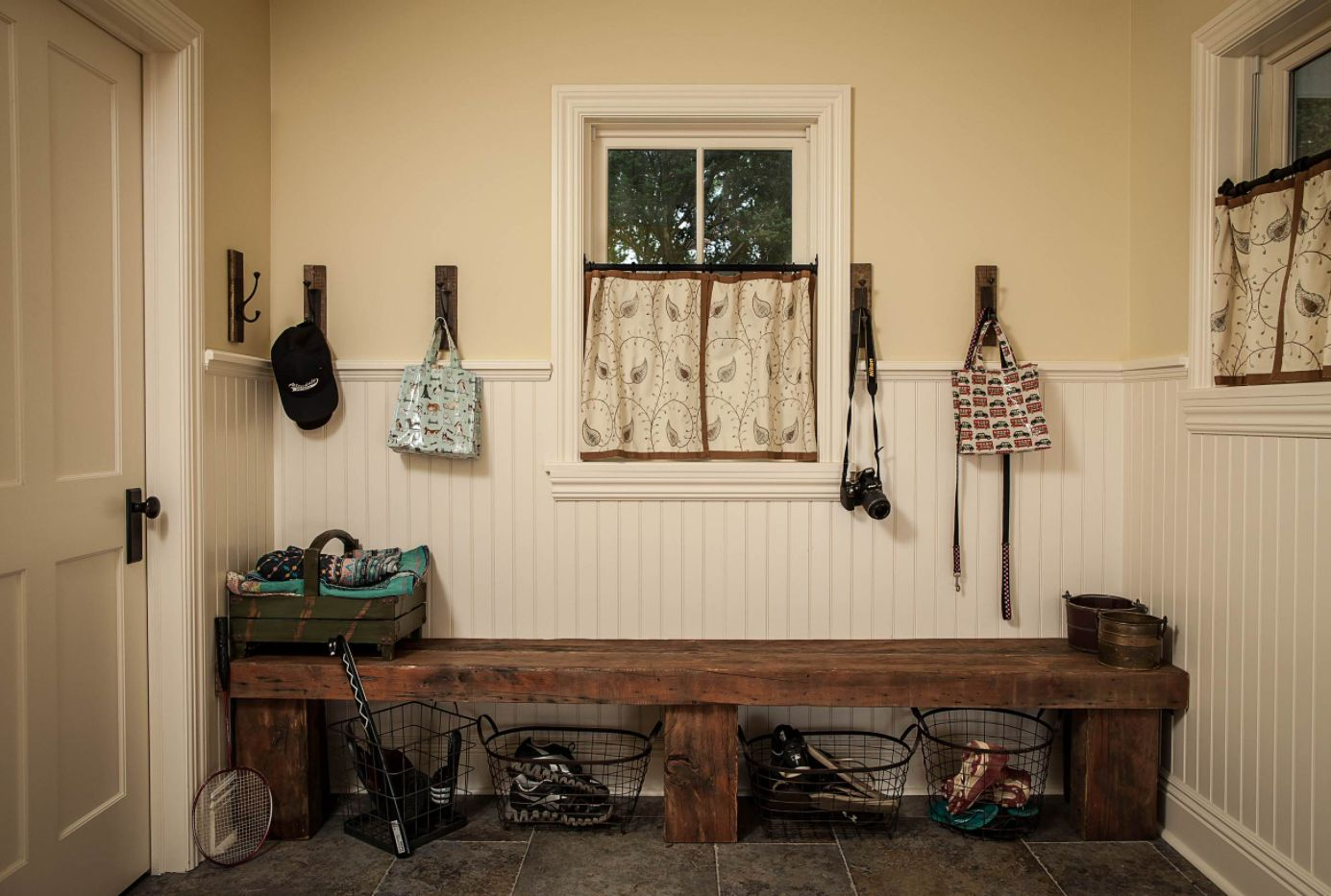 Rustic Entryway Bench For Cozy And Welcoming Homes