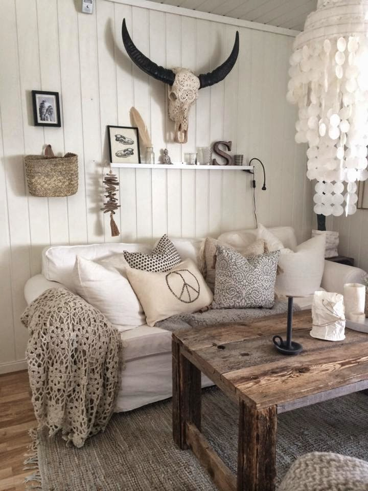 40 Rustic Living Room Ideas To Fashion Your Revamp Around 12  With Antlers