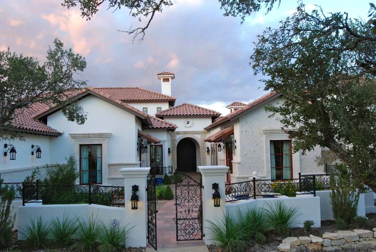What You Need To Know About Mediterranean Style Homes