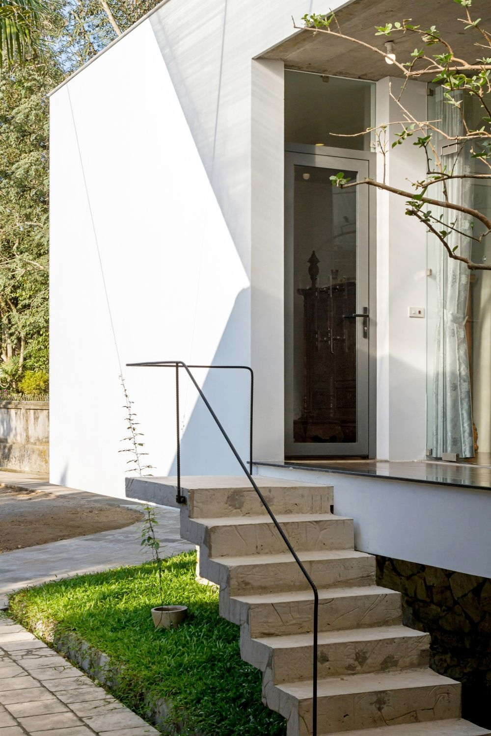 Modern Outdoor Stair Railing Designs And Ideas That Actually Make | Exterior Metal Stair Railing | Contemporary | Steel | Outdoor | Aluminum | Mild Steel