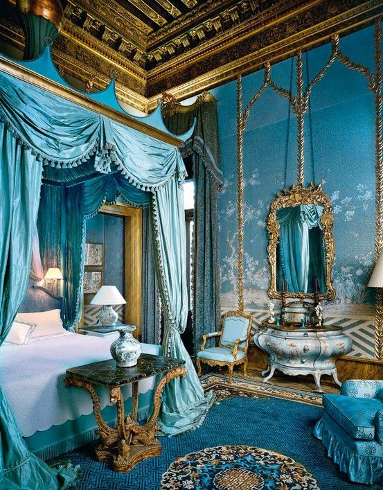 19 Beautiful Canopy Beds That Will Create A Majestic