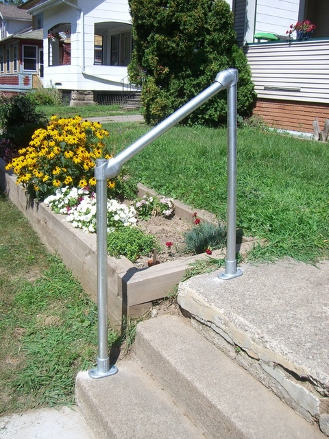 How To Build A Simple Handrail 7 Steps With Pictures | Handrails For Outside Steps | Single Step | Rustic | Aluminum | Front Porch | Walkway