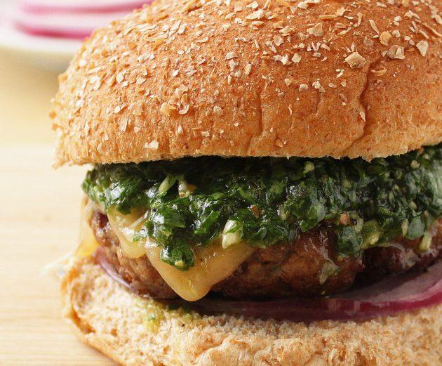 Керемет бургерлердің 3 рецептері және 10 құпиясы
