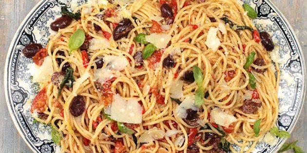 Spaghetti alla Putnesca.