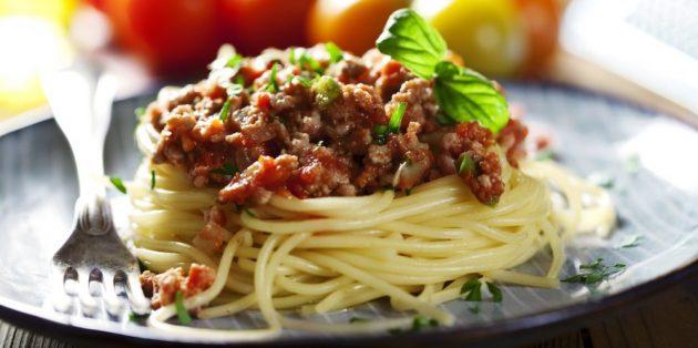 Рецепттер паста: спагетти Болонзе