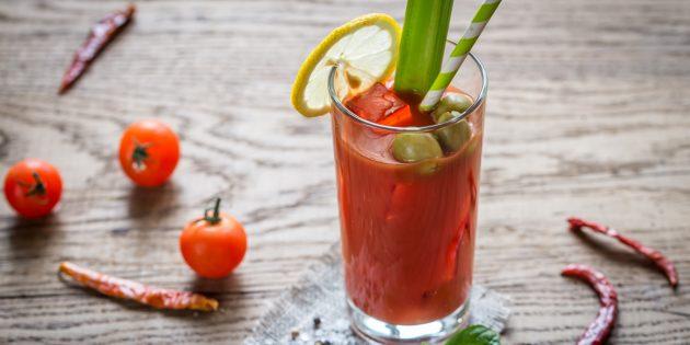 血腥玛丽鸡尾酒:简单的食谱