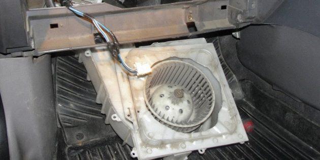 Mengapa dapur hangat yang buruk di dalam kereta: kerosakan dengan kipas
