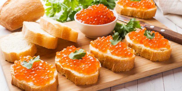 Hur man saltar rosa laxkaviar med socker