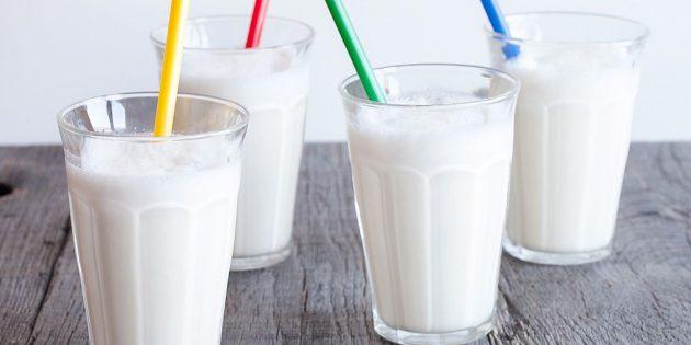 Cách làm một ly cocktail sữa: Kem cổ điển với kem
