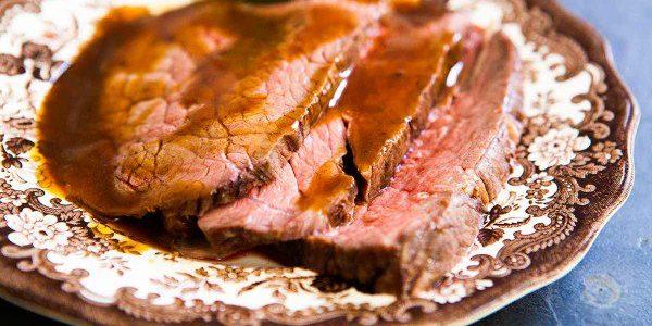 Thịt bò trong giấy bạc.
