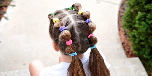 Hairstyles for girls: Low tails with rubber bands