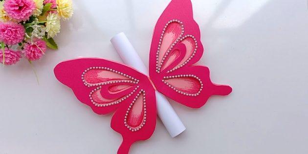Cách tạo bưu thiếp với bướm cho sinh nhật bằng tay của chính bạn