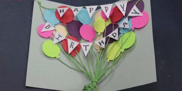 Thẻ cho một sinh nhật bằng tay của riêng bạn: Buộc các đầu của tiếng bíp, xoắn và cắt quá nhiều