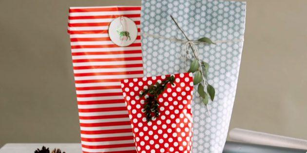 วิธีการบรรจุของขวัญจากรูปแบบใด ๆ ในแพ็คเกจของกระดาษ
