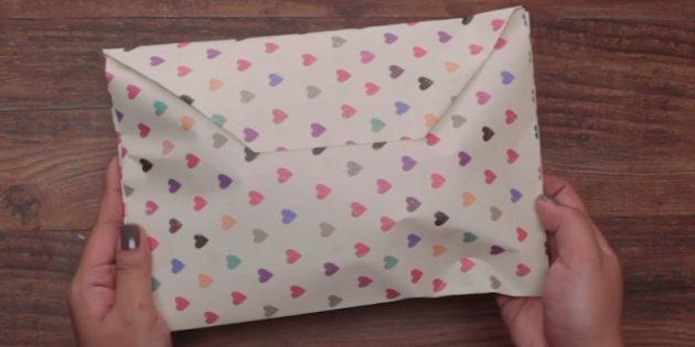 วิธีการบรรจุของขวัญจากรูปแบบใด ๆ ในซองกระดาษ