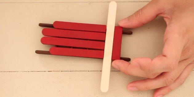 Lelut joulukuusi omalla kädellä: Paint Sticks ja Form Sani