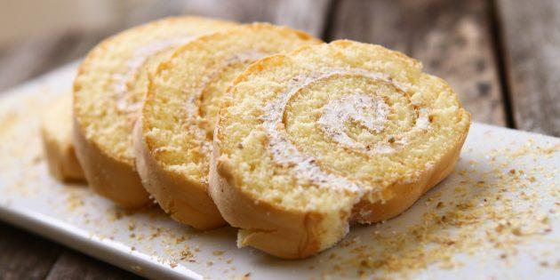 Opskrifter: kiks rulle på en kondenseret mælk med citron og fløde: enkle opskrifter