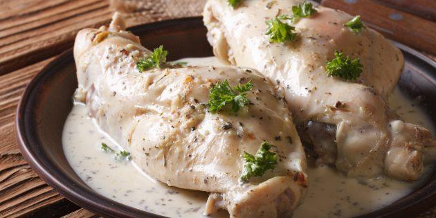 Пештегі қоян, крем, соя соусы және пияз қосылған: қарапайым рецепт