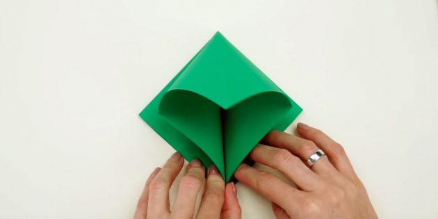Christmas tree with your own hands: fold the item