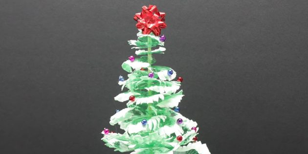 How to make a Christmas tree from plastic bottles with your own hands