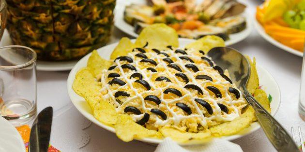 "Cómo cocinar ensalada ""girasol"" con hígado de bacalao"