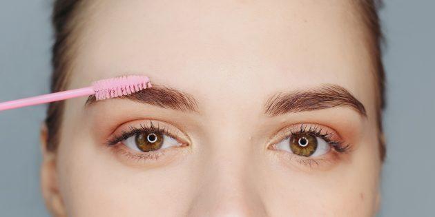 কিভাবে সুন্দর eyebrows করতে: হালকা চলন্ত সঙ্গে একটি বুরুশ রাশ পেন্সিল আপ
