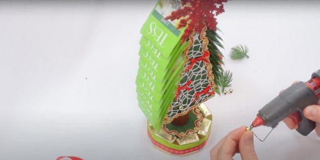 Новогодние подарки своими руками: приклейте чай и декор