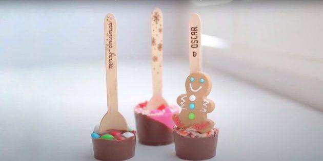 Жаңа жылға арналған сыйлықтар Өзіңіз жасаңыз: шоколад қасықтары