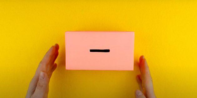 Como fazer um cofrinho com suas próprias mãos: cruze a caixa com papel