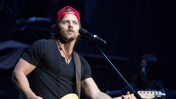 Keep Up With Kip Moore: 13 of Our Fave Moments! | Photos ...