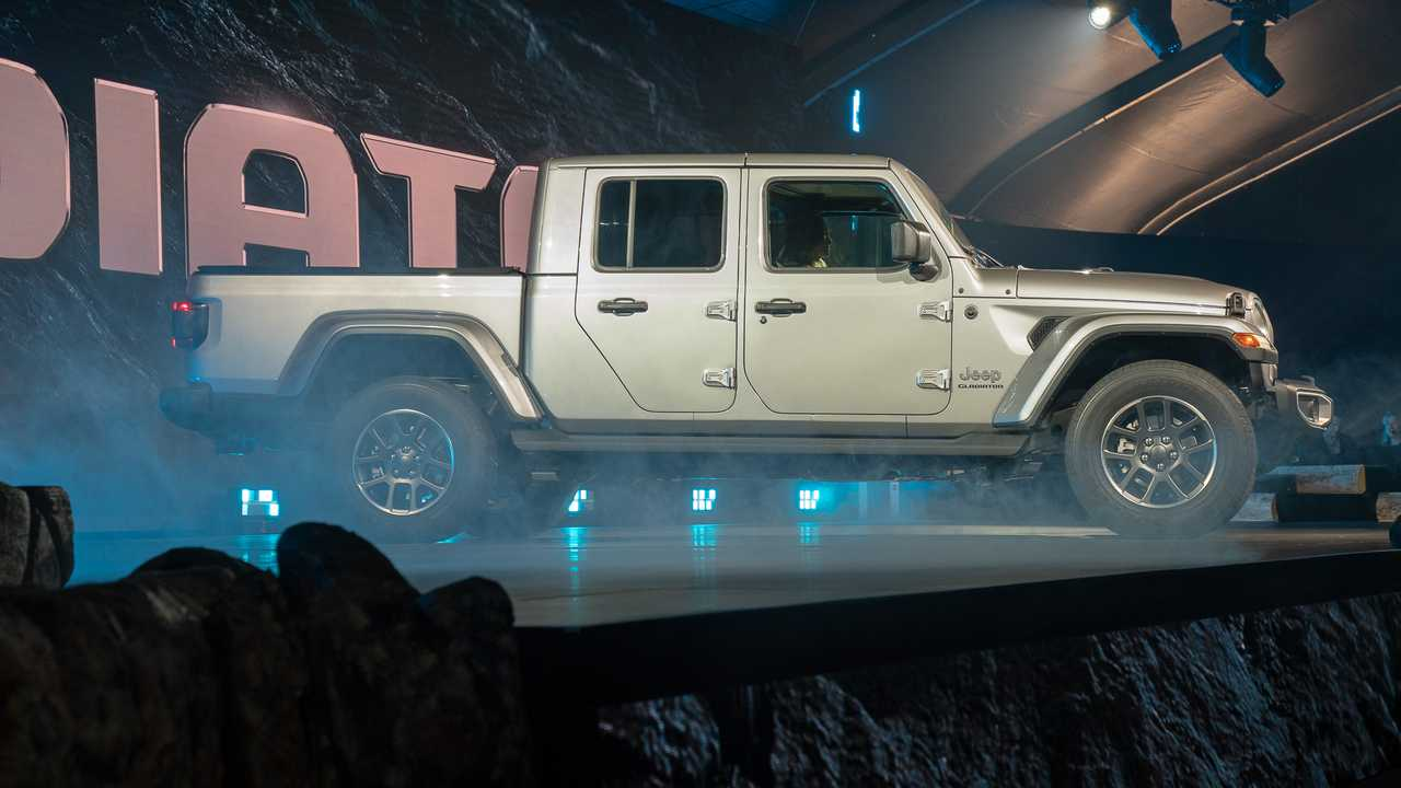 2020 Jeep Gladiator Debuts Wrangler Truck With Off Road