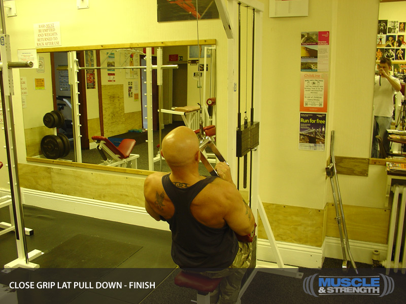 Close Grip Lat Pull Down Video Exercise Guide Amp Tips