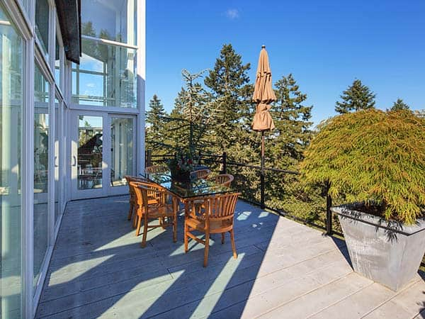 Magnificent Steel And Glass Vancouver Island Home