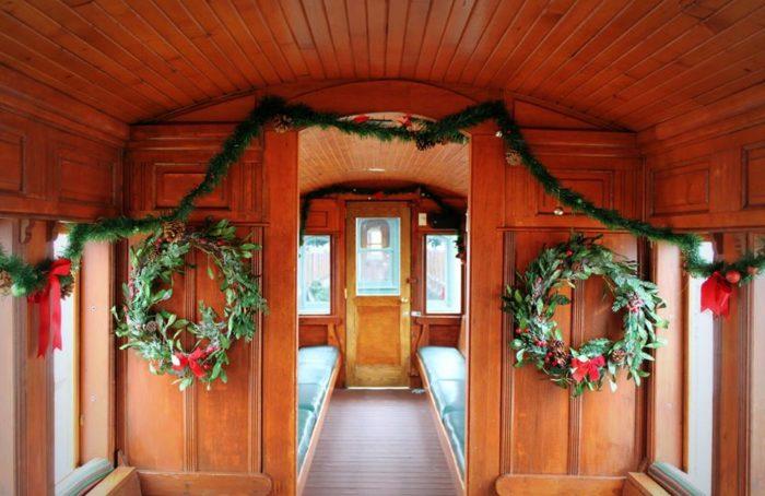 Maine Polar Express Train Ride: Maine Narrow Gauge ...