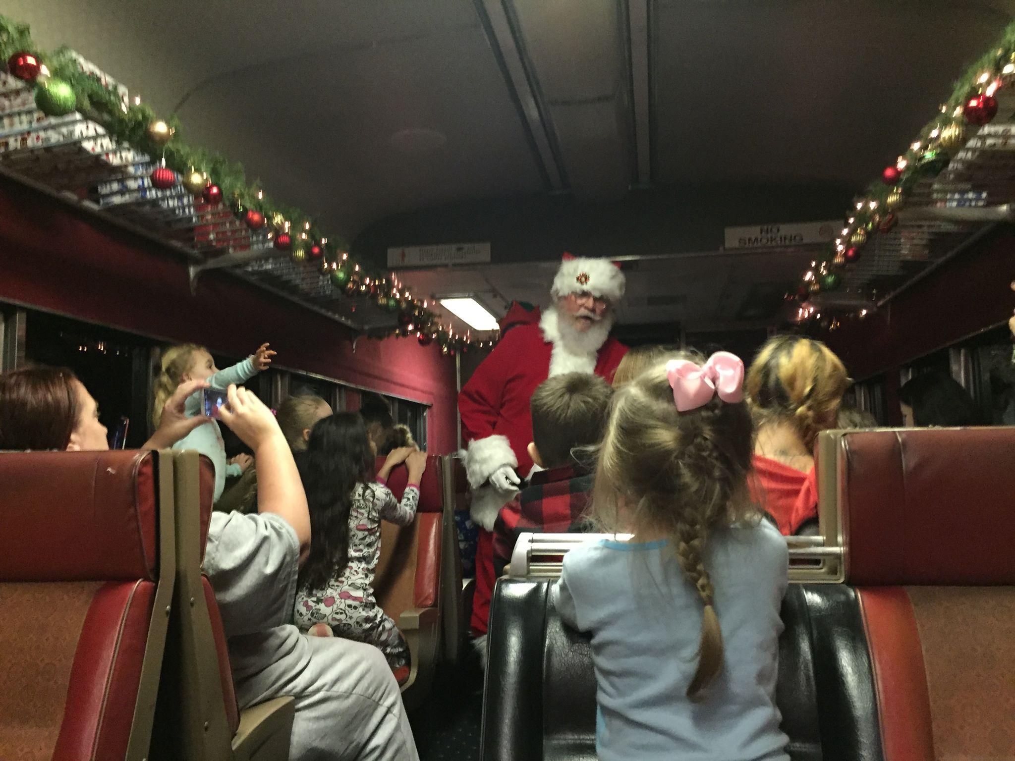 Polar Express Train Ride Near Portland Is Amazing